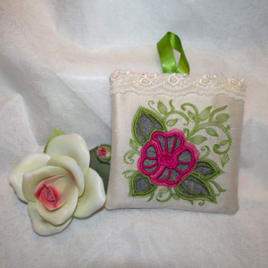 CUTWORK ROSE 1 4X4